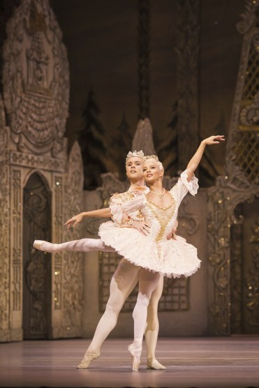 The Nutcracker with Francesca Hayward and Alexander Campbell. © ROH, Helen Maybanks 2016 (2)