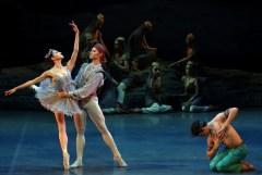 Le Corsaire, Nicoletta Manni, Timofej Andrijashenko and Mattia Semperboni, photo Brescia e Amisano, Teatro alla Scala 2018 01