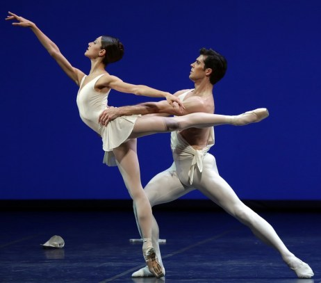 Apollo choreography by George Balanchine© The George Balanchine Trust Roberto Bolle, Nicoletta Manni, photo by Brescia e Amisano Teatro alla Scala (2)