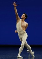 Apollo choreography by George Balanchine© The George Balanchine Trust Roberto Bolle, photo by Brescia e Amisano Teatro alla Scala (3)