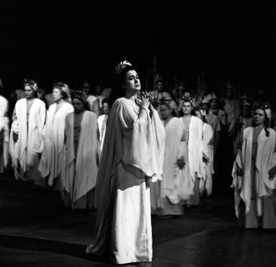 Leyla Gencer in Norma, photo by Lelli e Masotti
