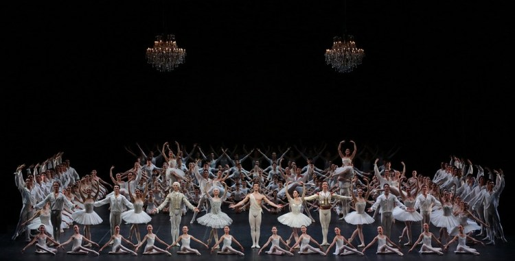Serata Nureyev Défilé finale, photo by Brescia e Amisano, Teatro alla Scala