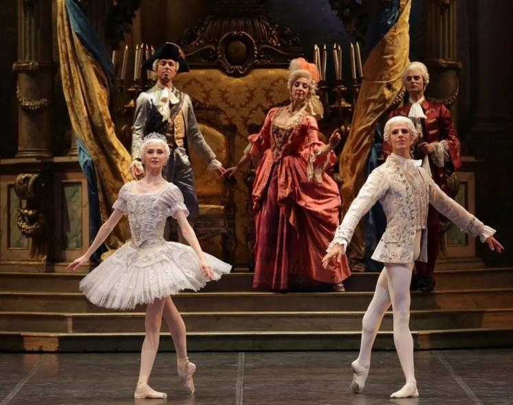 The Sleeping Beauty with Svetlana Zakharova and Germain Louvet, photo by Brescia e Amisano, Teatro alla Scala (1)