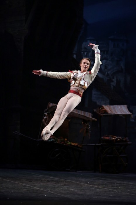 24 Don Quixote with Timofej Andrijashenko © Brescia e Amisano, Teatro alla Scala 2018 (2) 01