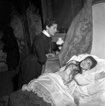 Luisa-Mandelli-in-La-traviata-with-Maria-Callas,-1955