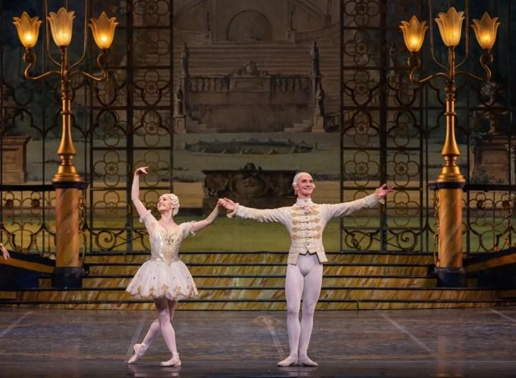 Marianela Nuñez and Vladislav Lantratov in The Sleeping Beauty, Rome Opera Ballet © Yasuko Kageyama