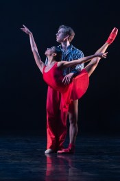 14 In the Upper Room by Twyla Tharp, Celine Gittens and Feargus Campbell © Dasa Wharton, Birmingham Royal Ballet 2018