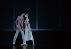 20 Embrace by George Williamson with Brandon Lawrence and Delia Matthews © Dasa Wharton, Birmingham Royal Ballet 2018