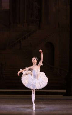 The Sleeping Beauty. Francesca Hayward as Princess Aurora. ©ROH, 2017. Ph. Bill Cooper. (5)