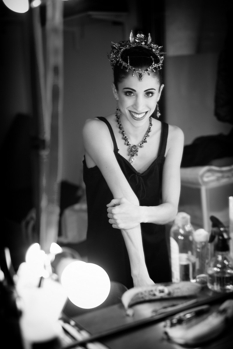 Yasmine Naghdi prepares for Gamzatti, photo by Dasa Wharton 23