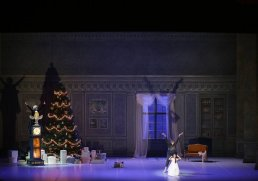 George Balanchine's The Nutcracker®, Act 1, photo by Brescia e Amisano, Teatro alla Scala 2018 03