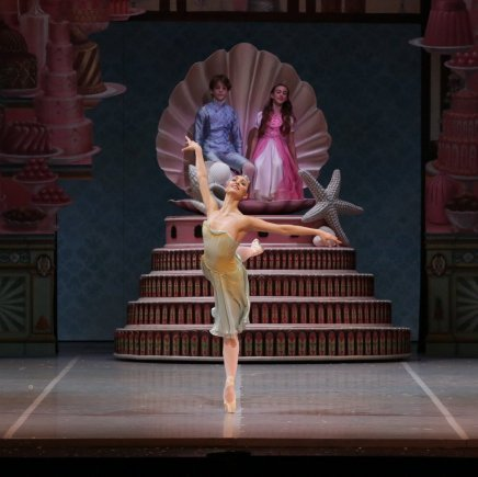 George Balanchine's The Nutcracker®, Martina Arduino as Dewdrop, photo by Brescia e Amisano, Teatro alla Scala 2018 02