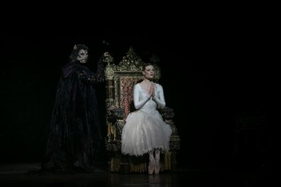 Beauty and the Beast by David Bintley, photo by Dasa Wharton, BRB 2019 13