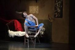 Isaac Hernández in Le Jeune Homme et la Mort, photo by Laurent Liotardo