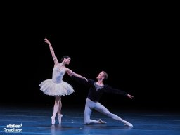 Olesya Novikova and Leonid Sarafanov, Grand Pas Classique, photo by Graham Spicer