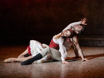 Rebecca Bianchi and Giacomo Castellana in Carmen di Jiří Bubeníček ® Yasuko Kageyama