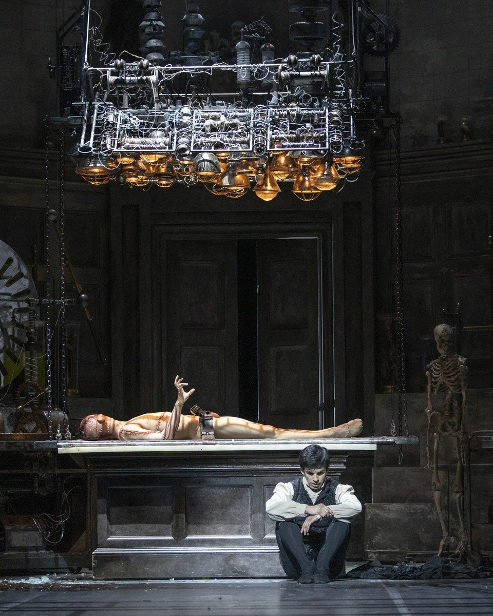 Frankenstein. Wei Wang as The Creature and Federico Bonelli as Victor Frankenstein. ©ROH 2019. Photographed by Andrej Uspenski.