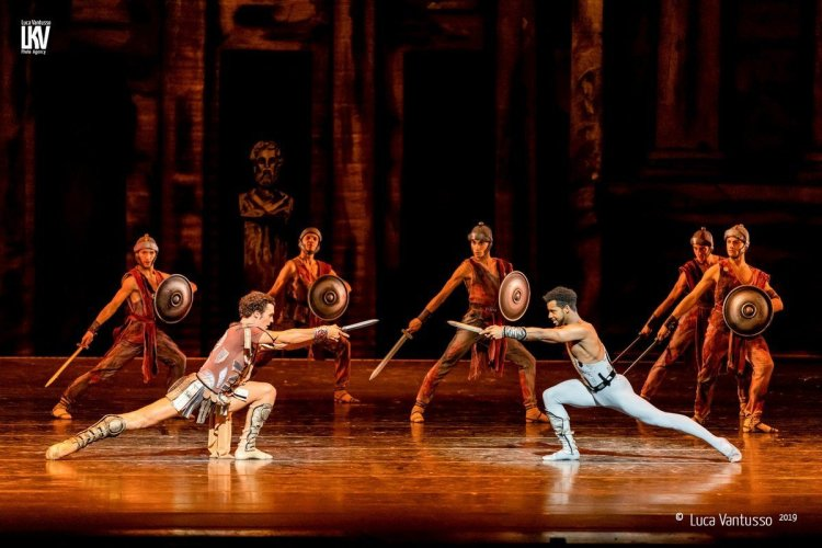 Spartacus with the Bayerisches Staatsballett © Luca Vantusso 2019 3