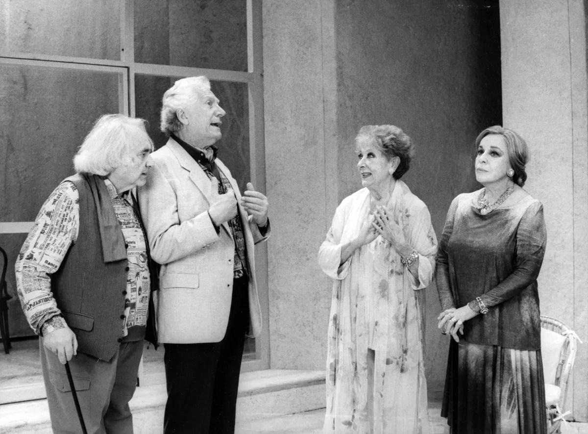 from left, Mario Maranzana, Mino Bellei, Lauretta Masiero and Anna Proclemer un Bella figlia d'amore