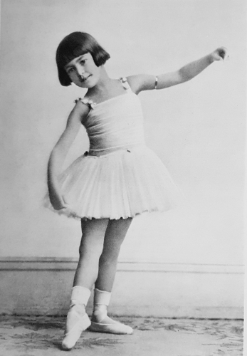 Peggy Hookham (Margot Fonteyn) at Grace Bosustow's Dancing School in Ealing
