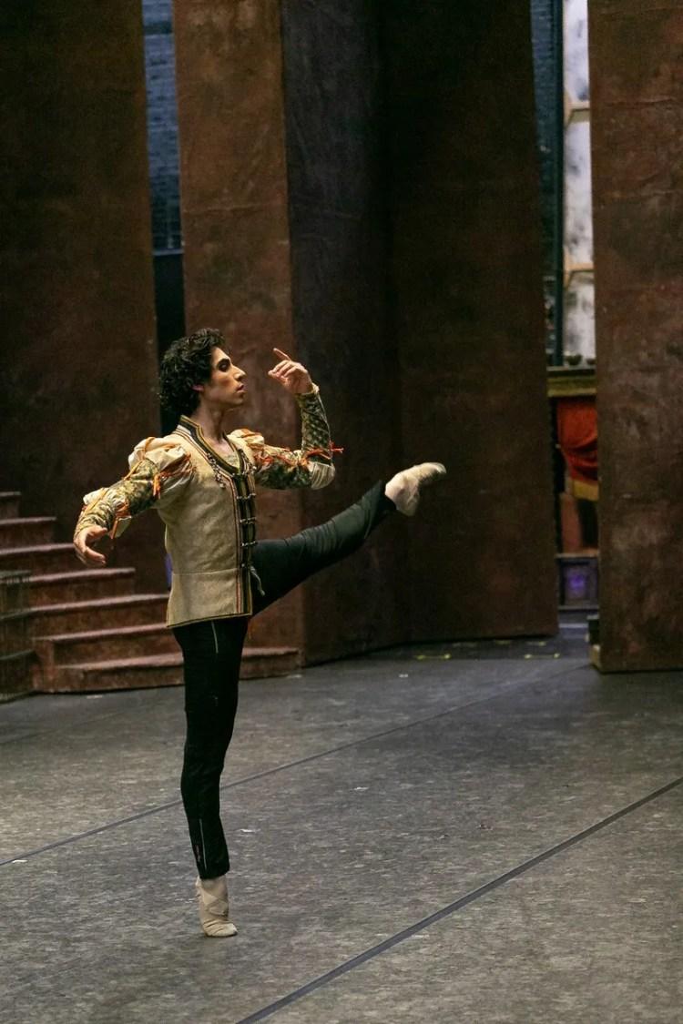 09 Cesar Corrales, Romeo and Juliet © Dasa Wharton