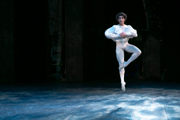 13 Cesar Corrales, Romeo and Juliet © Dasa Wharton