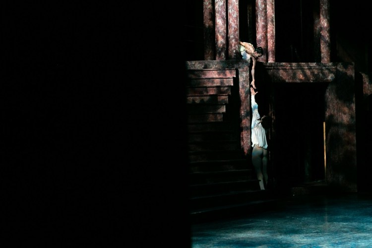 16 Francesca Hayward and Cesar Corrales, Romeo and Juliet © Dasa Wharton