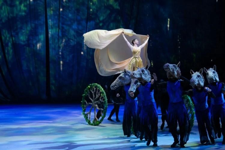 21 Christopher Wheeldon's Cinderella with English National Ballet © Dasa Wharton
