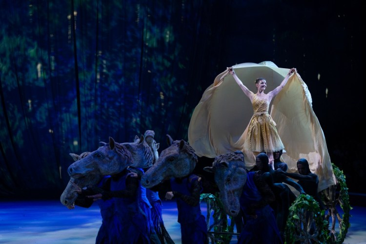 22 Christopher Wheeldon's Cinderella with English National Ballet © Dasa Wharton