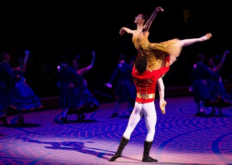28 Christopher Wheeldon's Cinderella with English National Ballet © Dasa Wharton