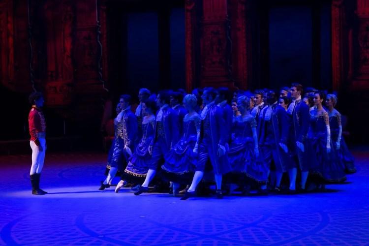 30 Christopher Wheeldon's Cinderella with English National Ballet © Dasa Wharton