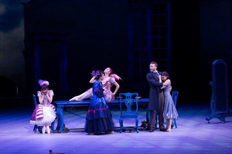 41 Christopher Wheeldon's Cinderella with English National Ballet © Dasa Wharton