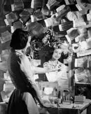 Margot Fonteyn in dressing room Photo Roger Wood.tif