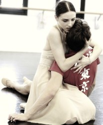 Martina Arduino rehearsing Romeo and Juliet, photo Brescia e Amisano, Teatro alla Scala