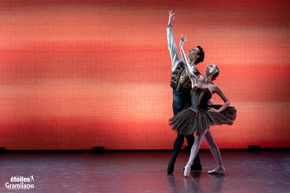 Esmeralda with Dorothée Gilbert and Hugo Marchand © Graham Spicer, Daniele Cipriani Entertainment 1