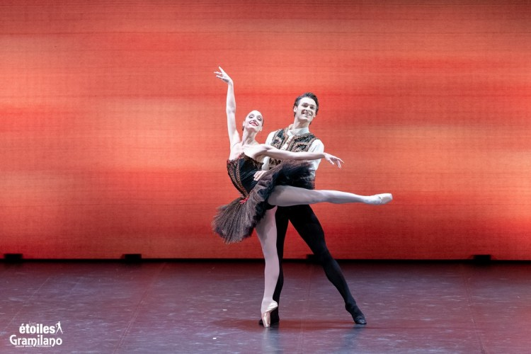Esmeralda with Dorothée Gilbert and Hugo Marchand © Graham Spicer, Daniele Cipriani Entertainment 2