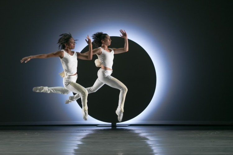 05 AAADT's Sarah Daley Perdomo and Jacquelin Harris in Jessica Lang's EN, photo by Dasa Wharton