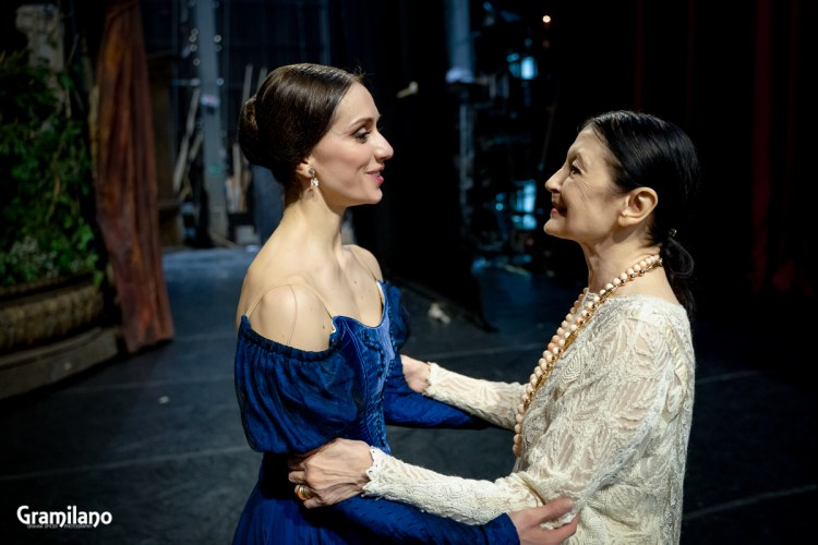 Carla Fracci and Marianela Nuñez after a performance of Onegin at La Scala
