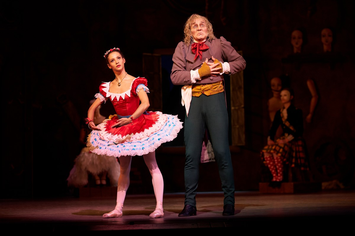 Coppelia. Francesca Hayward as Swanilda and Gary Avis as Dr Coppelius. (c) ROH, 2019. Photographed by Bill Cooper. (3)