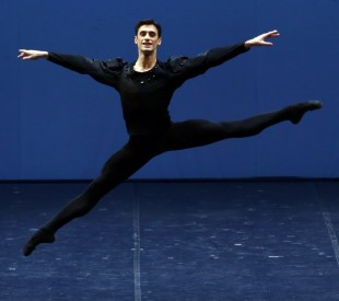 George Balanchine's Symphony in C with Nicola Del Freo © School of American Ballet 2019 04