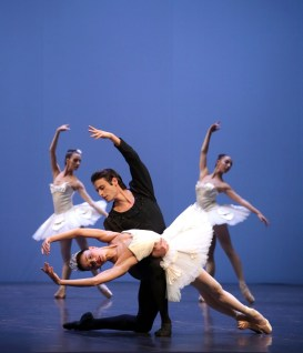 George Balanchine's Symphony in C with Nicoletta Manni and Marco Agostino © School of American Ballet 2019 10
