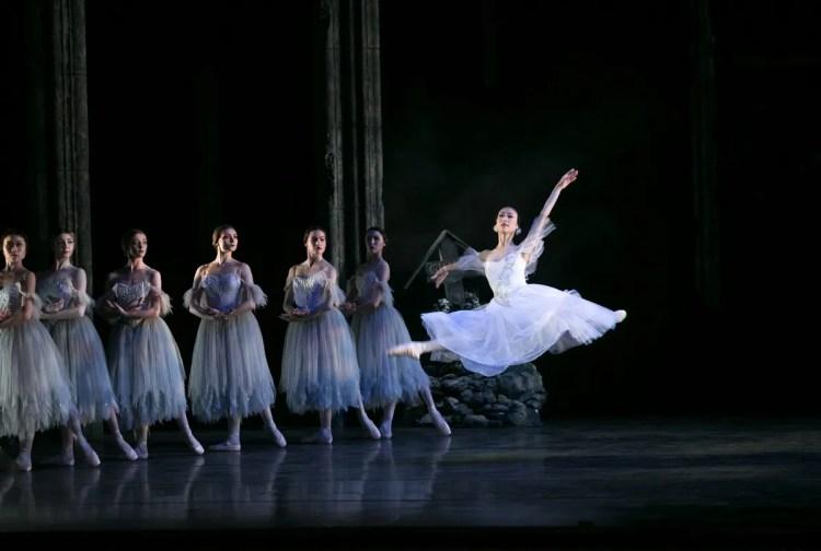 04 Giselle, Birmigham Royal Ballet, with Momoko Hirata © Dasa Wharton 2019