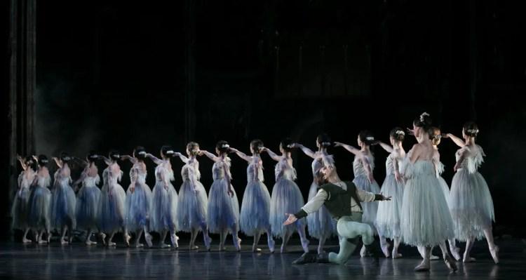 06 Giselle, Birmigham Royal Ballet, with Kit Holder, Samara Downs © Dasa Wharton 2019