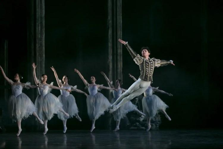 09 Giselle, Birmigham Royal Ballet © Dasa Wharton 2019