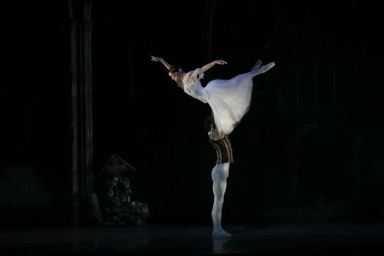 25 Giselle, Birmigham Royal Ballet, with Delia Mathews, Tyrone Singleton © Dasa Wharton 2019