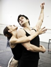 Le Jeune homme et la Mort with Roberto Bolle and Nicoletta Manni, photo by Brescia e Amisano Teatro alla Scala (8)