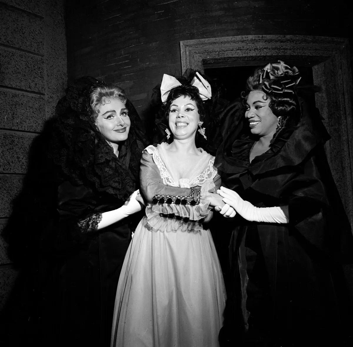 05 Mirella Freni in DON GIOVANNI 1963 with Schwatzkopf and Price photo by Erio Piccagliani © Teatro alla Scala