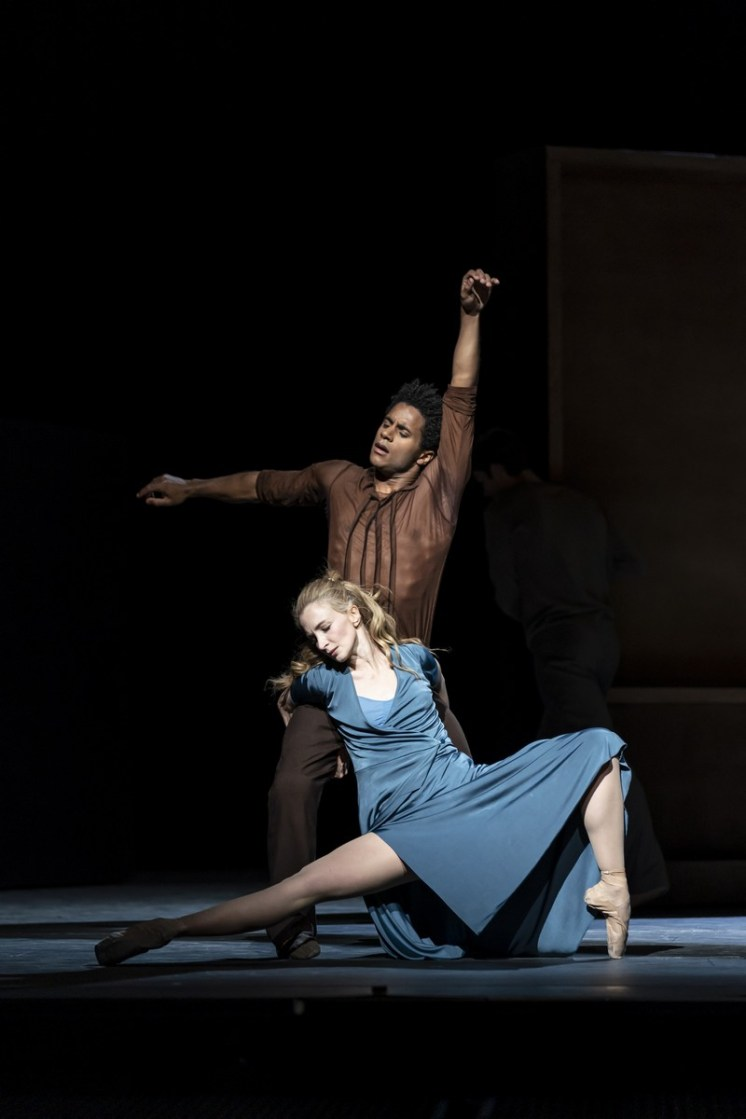 The Cellist. Marcelino Sambe and Lauren Cuthbertson. ©ROH, 2020. Photographed by Bill Cooper. (7)