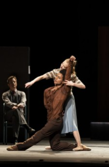 The Cellist. Marcelino Sambe and Lauren Cuthbertson. ©ROH, 2020. Photographed by Bill Cooper.