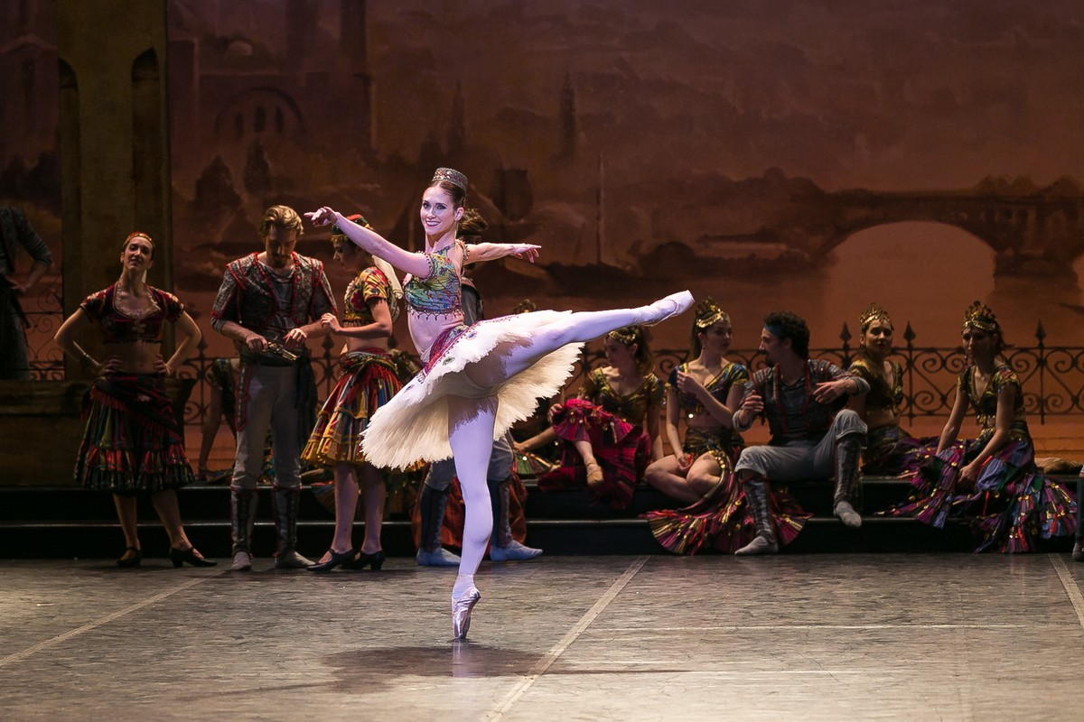 01 English National Ballet in Le Corsaire with Alison McWhinney @ Dasa Wharton